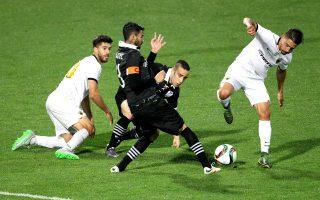 Η ΑΕΚ προηγήθηκε στην Τούμπα, όμως ο ΠΑΟΚ βρήκε τα γκολ που ήθελε και πήρε μια πολύτιμη νίκη στην έδρα του.