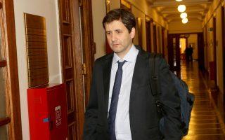 Ο αναπληρωτής υπουργός Οικονομικών Γ. Χουλιαράκης θα εκπροσωπήσει την Ελλάδα στο σημερινό Euroworking Group.