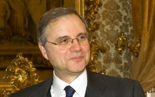 Ο Ιταλός κεντρικός τραπεζίτης Ιγνάσιο Βίσκο (φωτ.) υπογραμμίζει ότι επικρατεί «ρυθμιστική αβεβαιότητα» σχετικά με το ποιοι θα είναι οι τελικοί κανόνες που θα διέπουν την εκκαθάριση τραπεζών, δεδομένου ότι διαφέρουν σημαντικά οι προσεγγίσεις των χωρών της Ε.Ε.