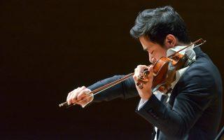 Ο σολίστ Ryu Goto αχώριστος με το βιολί του, Στραντιβάριους, μάγεψε το κοινό του Μεγάρου Μουσικής Αθηνών στο Κοντσέρτο για βιολί και ορχήστρα αρ. 1 σε ρε μείζονα, έργο 6, του Nικολό Παγκανίνι, στις 13 Μαΐου 2016.
