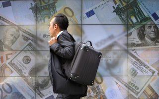 Την ώρα που η Τράπεζα της Ιαπωνίας εξετάζει να παρέμβει ώστε να υποχωρήσει η ισοτιμία του γιεν, οι ΗΠΑ δηλώνουν έτοιμες να επιβάλουν αντίποινα σε όσες χώρες προχωρούν σε «επιθετικές» κινήσεις στην αγορά συναλλάγματος.
