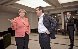 Αισιόδοξη για τα αναμενόμενα αποτελέσματα του σημερινού Eurogroup στο επίκεντρο του οποίου θα βρεθεί η εκταμίευση της δόσης προς την Ελλάδα, αλλά και το ζήτημα του χρέους, εμφανίσθηκε χθες η Γερμανίδα καγκελάριος Αγκελα Μέρκελ, στη συνάντηση που είχε με τον πρωθυπουργό Αλέξη Τσίπρα, στην Κωνσταντινούπολη, στο περιθώριο των εργασιών της Παγκόσμιας Ανθρωπιστικής Συνόδου του ΟΗΕ.