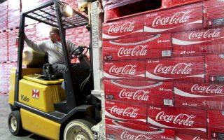 h-the-coca-amp-8211-cola-company-anavathmizei-ton-rolo-tis-athinas0