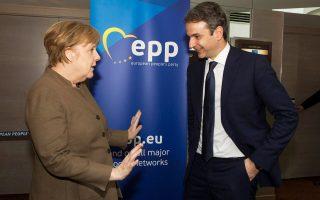 Η Γερμανίδα καγκελάριος Αγκελα Μέρκελ με τον κ. Κυριάκο Μητσοτάκη, στο περιθώριο συνεδρίασης του Ευρωπαϊκού Λαϊκού Κόμματος (ΕΛΚ), στις Βρυξέλλες, τον περασμένο Φεβρουάριο.