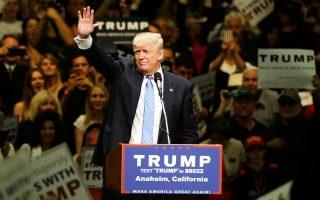 Ο Τραμπ σε εκδήλωσή του στο Αναχάιμ της Καλιφόρνιας την Τετάρτη.