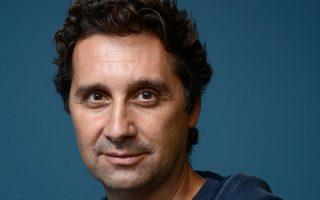 «Το ντοκιμαντέρ είναι μια ιστορία γυμνών σωμάτων μπροστά στη θάλασσα», λέει ο Θάνος Αναστόπουλος.
