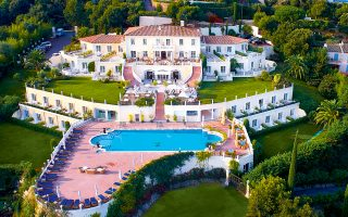 neo-melos-toy-small-luxury-hotels-of-the-world-to-althoff-hotel-villa-belrose0