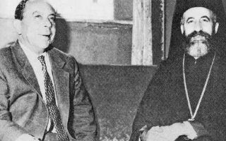 Ο Αρχιεπίσκοπος Μακάριος και ο Φαζίλ Κιουτσούκ. Ο Τουρκοκύπριος αντιπρόεδρος ακολούθησε την Αγκυρα στην έντονη απόρριψη της πρότασης αναθεώρησης του Συντάγματος.