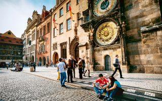 Το Αστρονομικό Ρολόι της Πράγας στο παλιό δημαρχείο είναι το τρίτο αρχαιότερο στον κόσμο και το μόνο που λειτουργεί ακόμα (Φωτογραφία: Shutterstock)