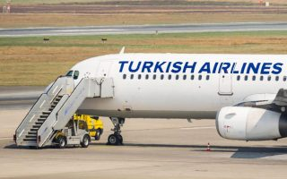 farsa-i-apeili-vomvas-se-aeroplano-tis-turkish-airlines0