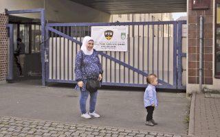 Παρά τις προσπάθειες που καταβάλλει το γερμανικό κράτος, η Ντάνια Ρασίντ, που ζει στο Βερολίνο από το 2014, δεν πιστεύει πια ότι η οικογένειά της έχει μέλλον στη Γερμανία.