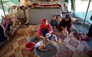 Ατυπος καταυλισμός Σύρων προσφύγων στην Ιορδανία. Oι διαδρομές που ακολουθούν οι μετανάστες, αλλά και οι προορισμοί τους, αλλάζουν συνεχώς.