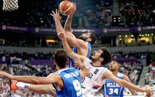 Η αμυντική και επιθετική αποδιοργάνωση που παρουσίασε η εθνική μπάσκετ στο Βελιγράδι δεν πρέπει να επαναληφθεί στο Τορίνο, εκεί όπου η ελληνική ομάδα θα δώσει 4 καθοριστικά ματς στο προολυμπιακό τουρνουά.