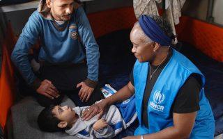 Κατά την επίσκεψή της στα Διαβατά, η Barbara Hendricks συνομίλησε με οικογένειες προσφύγων. Μία από αυτές ήταν η οικογένεια του Ahmed και της Aeat, νεαρού ζευγαριού από τη Συρία, με τρία παιδιά.Το μεγαλύτερο, ο 8χρονοςAalaa, έχει σοβαρή αναπηρία.