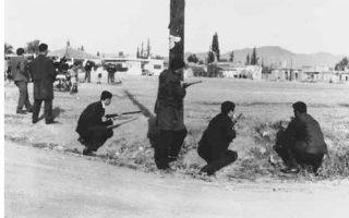 Ενοπλοι Ελληνοκύπριοι πολίτες συγκρούονται με Τουρκοκυπρίους στη Λευκωσία. Κατά τις συγκρούσεις διεπράχθησαν αγριότητες και από τις δύο πλευρές, οι οποίες δηλητηρίασαν τις σχέσεις μεταξύ των δύο κοινοτήτων.