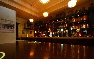 the-james-joyce-irish-pub-aythentiki-pamp-sto-kentro-tis-athinas0