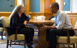 Μπαράκ Ομπάμα και Μέριλιν Ρόμπινσον μας χάρισαν πέρυσι μια πολύτιμη συνομιλία που δημοσιεύθηκε σε αμερικανικό περιοδικό και τώρα περιλαμβάνεται στην ελληνική έκδοση της «Λάιλα».