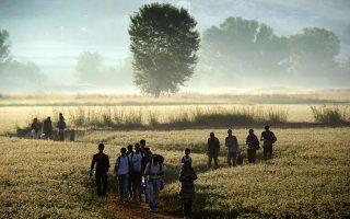 Η οδύσσεια των προσφύγων δεν φαίνεται να τελειώνει, ιδιαίτερα για όσους εγκλωβίστηκαν στον ελλαδικό χώρο και αδυνατούν να συνεχίσουν το ταξίδι τους.