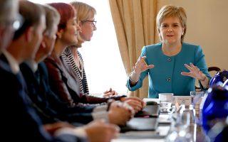 H τοπική πρωθυπουργός της Σκωτίας Νίκολα Στέρτζεον θα ζητήσει από το κοινοβούλιο κάθε δυνατή υποστήριξη.