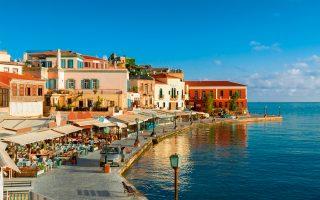 Το πολυφωτογραφημένο ενετικό λιμάνι των Χανίων συνιστά την πιο αναγνωρίσιμη εικόνα της πόλης. (Φωτογραφία: Shutterstock)