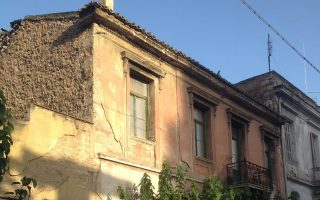 Σπίτι στην οδό Σωνιέρου, κοντά στις οδούς Μαιζώνος και Μάγερ.