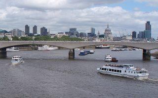 H ιστορική αλλά ελάχιστα προβεβλημένη Waterloo Bridge.