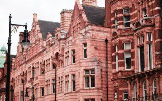Τους τελευταίους μήνες οι αγοραπωλησίες κατοικιών στο Λονδίνο έχουν «παγώσει».