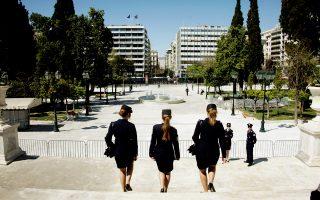 Σύμφωνα με τα στοιχεία της Savills, τα επίπεδα των ενοικίων διαμορφώνονται σε περίπου 16-20 ευρώ/τ.μ. μηνιαίως για κτίρια της υψηλότερης κατηγορίας στο κέντρο της Αθήνας (π.χ. πλατεία Συντάγματος, Κολωνάκι κ.τ.λ.). Η λεωφόρος Κηφισίας φαίνεται ότι θα συνεχίσει να δέχεται τις περισσότερες πιέσεις από όλους τους βασικούς άξονες του Λεκανοπεδίου.