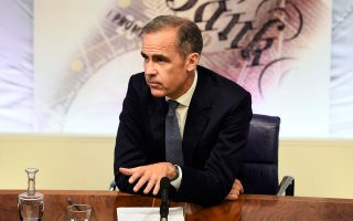 Ο επικεφαλής της Τράπεζας της Αγγλίας Μαρκ Κάρνεϊ, κατά τη χθεσινή συνέντευξη Τύπου, ανακοίνωσε ότι η Τράπεζα προωθεί αύξηση του δανεισμού.