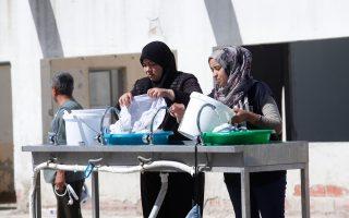 Η ώρα της μπουγάδας στο κέντρο φιλοξενίας προσφύγων στα Λαγκαδίκια Θεσσαλονίκης.