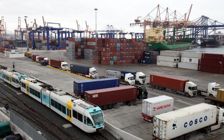 i-apergia-trainose-stelnei-sti-slovenia-ta-konteiner-tis-cosco-2142160