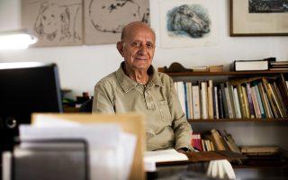 Νικημένος από  τον καρκίνο, στα 87 του, ο σπουδαίος δάσκαλος αφήνει πίσω του «το αίσθημα που κάθεται πάνω στα λόγια».