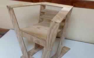 Καθίσματα εμπνευσμένα από το έργο του Le Corbusier είναι μεταξύ των εκθεμάτων στα Χανιά.