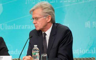 Ο εκπρόσωπος του Διεθνούς Νομισματικού Ταμείου, Τζ. Ράις, επανέλαβε την πάγια θέση του Ταμείου για μεταρρυθμίσεις στις εργασιακές σχέσεις που θα ακολουθούν τις βέλτιστες ευρωπαϊκές πρακτικές.
