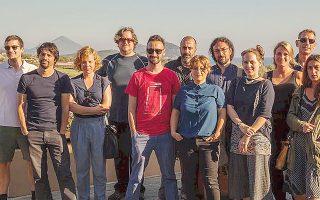 Στον ήλιο του Costa Navarino οι σεναριογράφοι της Mεσογείου δοκιμάζουν τα φτερά τους, παίρνοντας μέρος στο Eργαστήριο του Πρώτου «Faliro House» του Xρήστου B. Kωνσταντακόπουλου και Sundance Intitute με τη στήριξη της Στέγης Iδρύματος Ωνάση. Mερικά ονόματα: (από αριστερά) Zουπάνος Kρητικός, MME, Waddington, Pimenta, Wheeler, Cocuccini, Πάνος Kορώνης, Bispuri, Bodrugno, Iζαμπέλα Kωνσταντινίδου, Roquet (φωτο Nίκος Πάστρας).