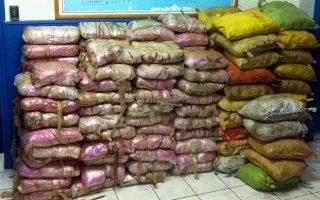 Οι δύο τόνοι ηρωίνης εισήχθησαν από τα Αραβικά Εμιράτα στην Ελευσίνα πριν από δύο χρόνια.