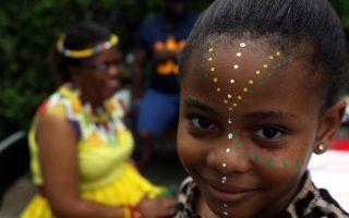 Πολλή μουσική και αντικείμενα λαϊκής τέχνης από την αφρικανική ήπειρο στο Φεστιβάλ Ρεματιάς Χαλανδρίου.