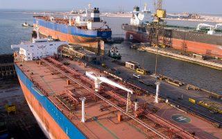 Οι Ελληνες πλοιοκτήτες δημιουργούν ζήτηση που αντιστοιχεί σε 8 δισ. ευρώ ετησίως. Εξ αυτών, 6 δισ. ευρώ αφορούν την ίδια τη ναυπήγηση των πλοίων τους, ενώ τα υπόλοιπα 2 δισ. ευρώ προκύπτουν από τις άμεσες δαπάνες των ελληνικών ναυτιλιακών εταιρειών για την πραγματοποίηση επισκευών και συντήρησης του στόλου τους.