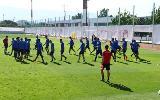 Οι «ερυθρόλευκοι» ολοκλήρωσαν την προετοιμασία τους για τον αγώνα με τη Χαποέλ Μπερ Σεβά με μία προπόνηση χθες το πρωί στου Ρέντη.