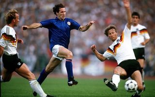 H Iταλία ποτέ στο παρελθόν δεν έχει ηττηθεί από τη Γερμανία σε επίσημο ματς και μετά τον θρίαμβο με την Ισπανία θα προσπαθήσει να ξεπεράσει και το υψηλό εμπόδιο της «νασιονάλμανσαφτ».
