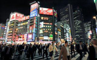 Η Ιαπωνία κατόρθωσε να ανορθωθεί χωρίς κρατικές επιδοτήσεις, χωρίς απολύσεις εργαζομένων και χωρίς τη χρεοκοπία των μεγάλων επιχειρήσεών της.