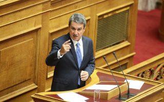 Ο κ. Α. Λοβέρδος κατά τη συζήτηση και ψήφιση επί της αρχής, των άρθρων και του συνόλου του σχεδίου νόμου του Υπουργείου Εθνικής Άμυνας.