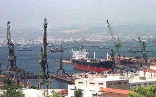 Η Cosco για να αναλάβει τα Ναυπηγεία Σκαραμαγκά προέταξε την ομαλή ανάπτυξη της ναυπηγοεπισκευαστικής δραστηριότητας, όπως και την περαιτέρω εμπέδωση κλίματος εμπιστοσύνης. Επιπροσθέτως, ζήτησε να ρυθμιστούν οι μεγάλες εκκρεμότητες γύρω από την εταιρεία.