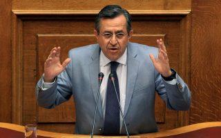 sto-maximoy-me-tsipra-o-nikolopoylos-amp-8211-stirizei-ton-eklogiko-nomo0