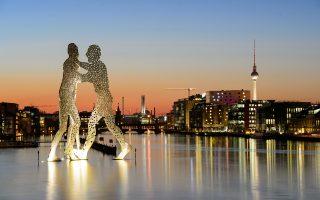 Βερολίνο: Παρά την «ανοιχτότητα» του Σουλτς απέναντι στην Ευρώπη, η γερμανική Σοσιαλδημοκρατία μοιάζει να δυσκολεύεται με τον ευρωπαϊκό προσανατολισμό της.