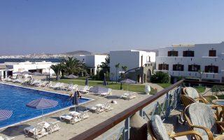 Εχουν τεθεί προϋποθέσεις που οδηγούν σε αποκλεισμό από το πρόγραμμα περίπου 2.000 μικρά ξενοδοχεία, καθώς και την πλειονότητα των 40.000 ενοικιαζόμενων δωματίων και διαμερισμάτων.