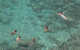 «Ο Ευρωπαϊκός Οργανισμός Περιβάλλοντος ανακοίνωσε πρόσφατα ότι τα ύδατα της Ελλάδας είναι μεταξύ των καθαρότερων στον κόσμο», αναφέρει, η ανακοίνωση της Ειδικής Γραμματείας Υδάτων.