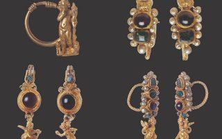 Ενώτια από χρυσό και πολύτιμους λίθους, από τη Δήλο.