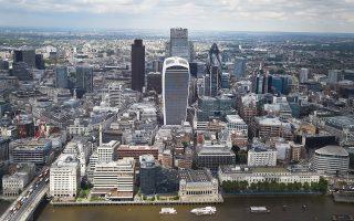 Το Ηνωμένο Βασίλειο διατηρεί την τρίτη θέση στη λίστα με τις 100 κορυφαίες εταιρείες παγκοσμίως, λιγότερες όμως σε σύγκριση με πέρυσι.