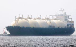 Το υγροποιημένο φυσικό αέριο (LNG) αποτελεί μια αποτελεσματική και ανταγωνιστική τεχνολογία για τις μεταφορές «βαρέων βαρών». Είναι επίσης η πιο πολλά υποσχόμενη λύση για την αντιμετώπιση των εκπομπών ρύπων της ναυτιλίας, καθώς αποτελεί ελκυστική εναλλακτική για τους πλοιοκτήτες, που υπόκεινται σε ολοένα αυστηρότερους κανόνες σχετικά με αυτές.